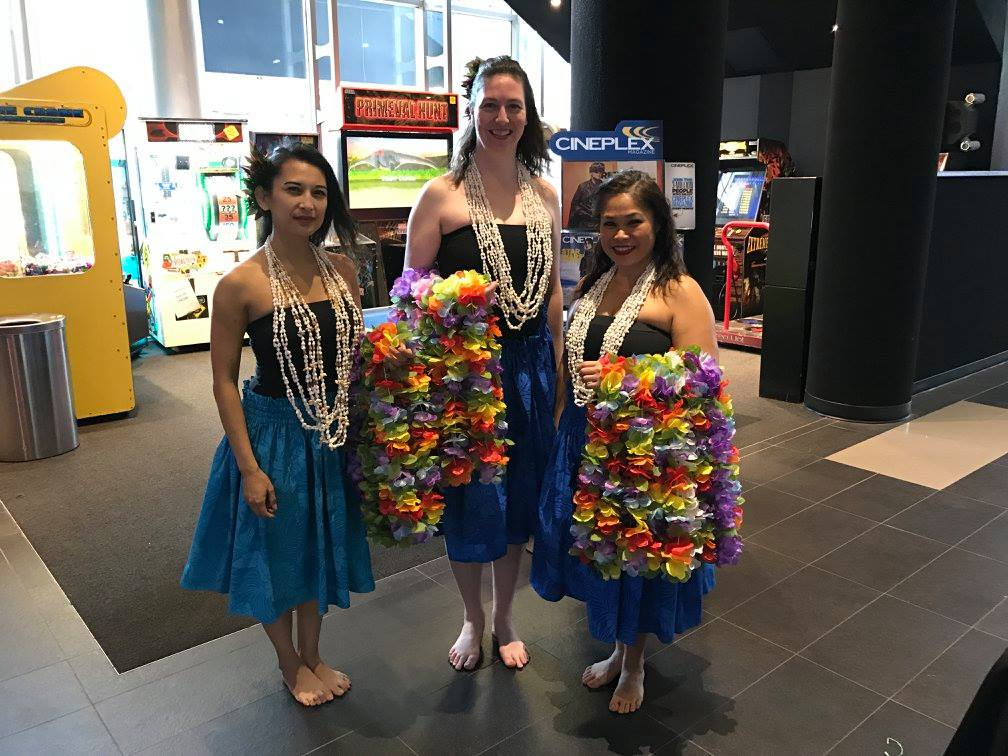 VMC-Media-Family-Christmas-Moana-Hula-Dancers