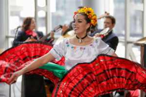 VMC-Media-Xmas-2017-dancer-mariachi-2-300x200 Christmas Family Day 2017