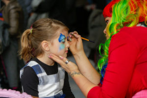 VMC-Media-Xmas-2017-face-paint-300x200 Christmas Family Day 2017