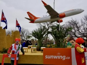 Santa-Claus-Parade-Toronto-VMC-Media-Sunwing-Vacations-Kevin-Brault-300x225 Sunwing Vacations: Santa Claus Parade 2018